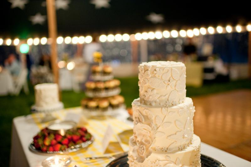 Let them eat cake: Artisan Bake Shop wins best wedding cake award ...